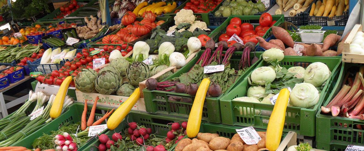 Gemüsestand, Kutschkermarkt